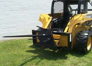 SSSO908 bale spin-off for skid steers.
