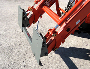 McCormick, Branson, Kioti and LS Loaders to Skid Steer Adapter